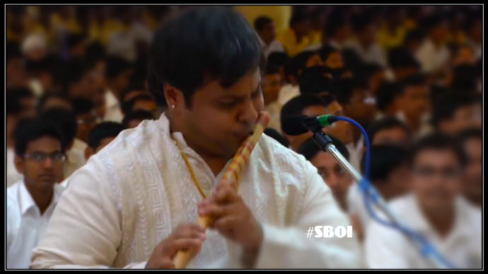 Instrumental Music Programme by Flautist, Kalaimamani Shashank Subramanyam as a part of Bhagawan's 89th Birthday Celebration