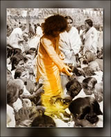 sai-baba-rare-photo-in-crowd-of-devotees