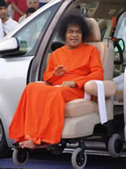 sri-sathya-sai-baba-blessing-puttaparthi-car-main-road