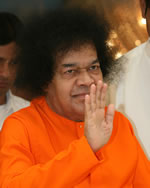 sri-sathya-sai-baba-high-resolution-photo-blessing-with-his-hand-abhya-hastha